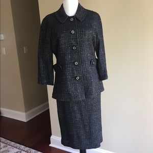 Tory Burch classic suit in black with silver